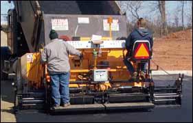 LeeBoy Legend screed system asphalt paver