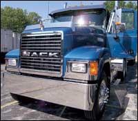 Mack CHN613