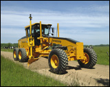 Volvo G900-Series motor grader with 11-speed transmission