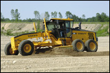 Volvo G940 motor grader at work