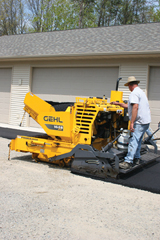 Gehl Power Box 1448 asphalt paver